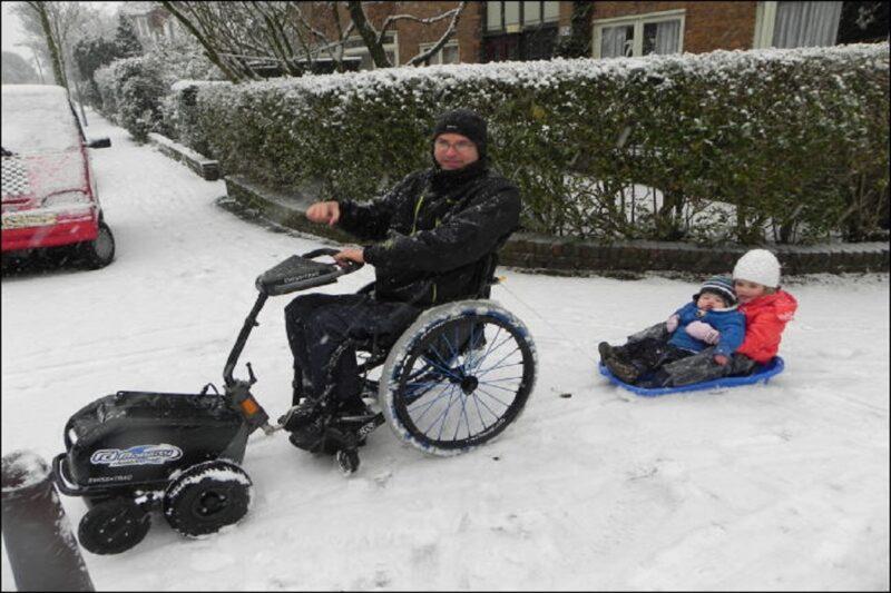 Swiss-Trac RDMobility zwart in sneeuw