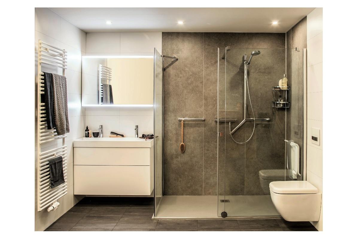 Een Veilige Badkamer : Tot u20ac 1.000 leeftijdskorting bij aankoop van een comfortdouche