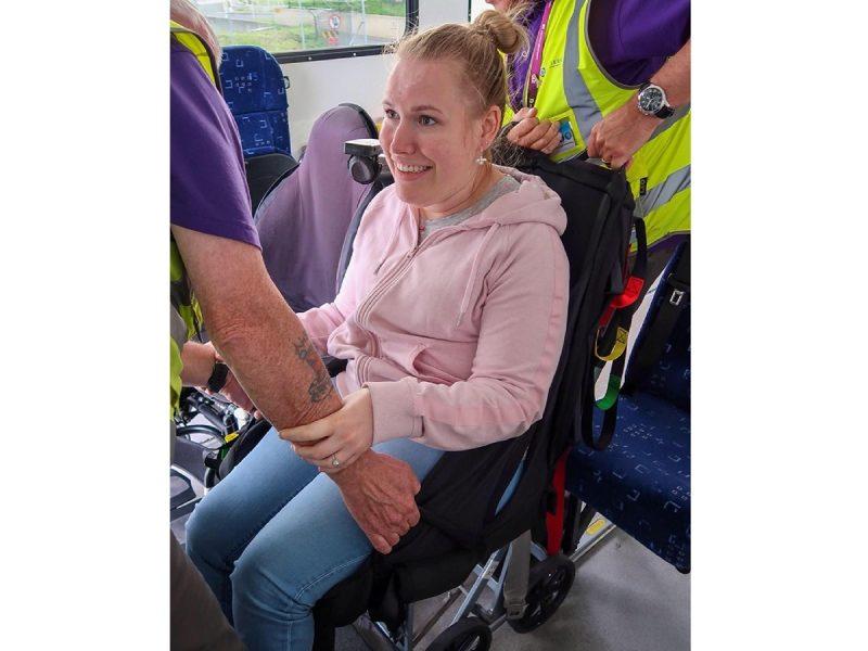 Manon_van_den_Heuvel_in_de_Easy_travel_Seat